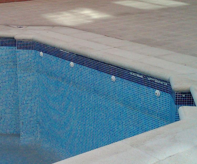 Aislamiento de piscinas en Madrid. DecklandCubiertas.com